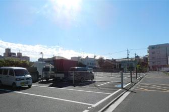 禅林寺霊泉斎場駐車場